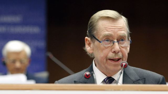 Václav Havel addressing the EP audience