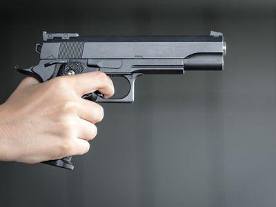 Neznámý řidič v Jihlavě zastřelil ženu, která jela v protijedoucím autě. Policie po pachateli pátrá
