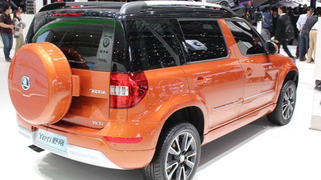24dd2d40baa V Číně se nabízí také prodloužená verze modelu Yeti s rezervním kolem  umístěným na zádi.
