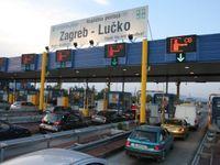 Doprava v Evropě kolabuje, řidiče jedoucí na jih čekají mnohakilometrové kolony