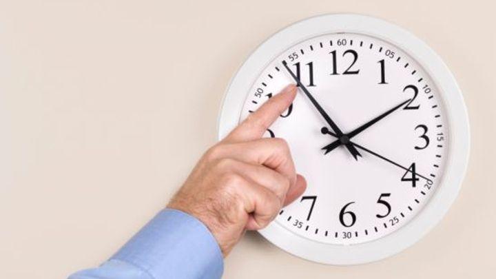 Kdy naposledy přeřídíme hodiny? Většina Čechů chce zachovat letní čas, říká Svoboda