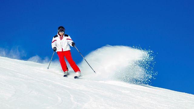 Výsledek obrázku pro lyžař