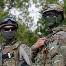 Diplomaté jednají o příměří, ale Ukrajincům se teď nehodí