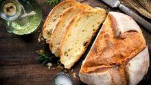 Upečte si doma vlastní italský chléb. Vláčný vydrží i tři dny