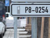 Na modré v Praze může zaparkovat každý. Zásady parkování v metropoli