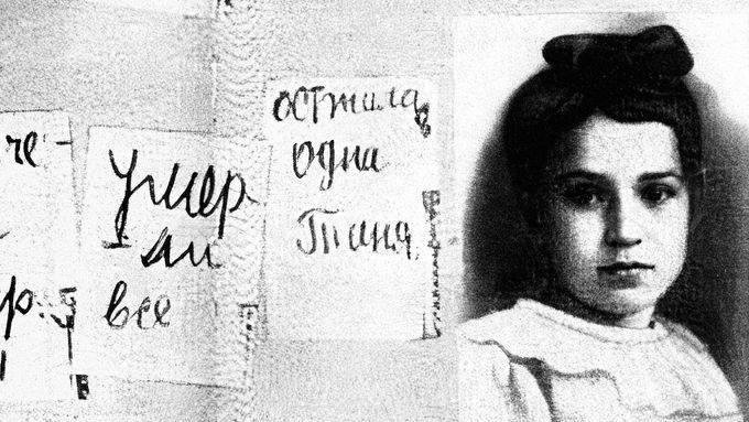 Lidé v Leningradu umírali na ulicích kvůli vysílení a podvýživě.