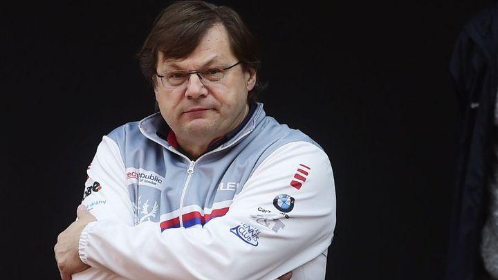 """Po """"covidovém letu"""" je pozitivní čtvrtý sportovec, Babiš považuje situaci za skandál; Zdroj foto: ČTK"""