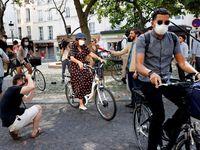 Praze chybí Hidalgová. Starostka Paříže chce zrušit 60 tisíc parkovacích míst