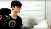 Youtubeři jsou naštvaní. Statisíce lidí sledují kanál, kde se Korejec tiše učí