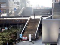 Foto: Další past na Pražany. Na Budějovické zrezivěla střecha stanice metra