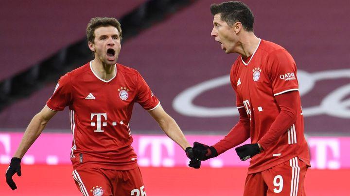Tak otáčejí šampioni. Bayern prohrával v půli o dva góly, potom rozpoutal smršť