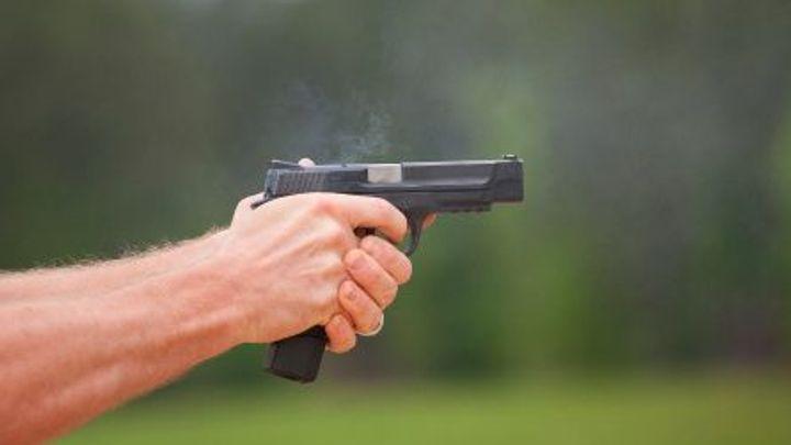 Senát chce ústavně zakotvit právo bránit sebe i druhé zbraní