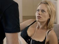 Recenze: Sezn@mka chce být český Sex ve městě. Místo toho prohlubuje dno českého filmu