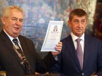 Žízeň po blbosti. ANO-ZEMANO aneb Nová vlna české politiky