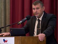 Petr Pelikán: Volili jsme mezi spojenci a životy Čechů. Vydání jednoho zlosyna do USA jsem usmlouval