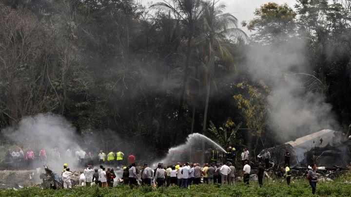 V Havaně se po startu zřítilo letadlo, zemřelo 110 lidí. Vyšetřovatelé našli černou skřínku