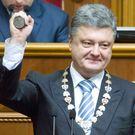 Politolog: Kreml musí Porošenka uznat, jinak podpoří válku