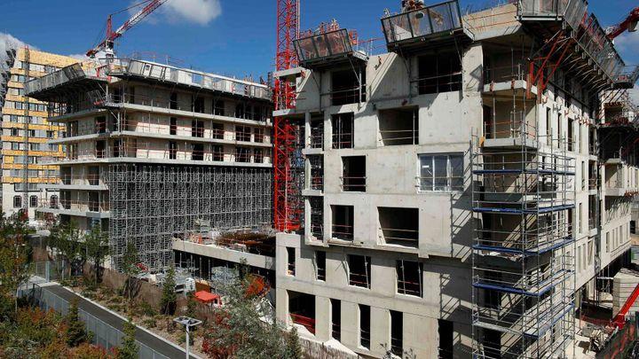 Stavebnictví se v září vrátilo k růstu. Staví se víc bytů