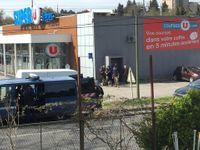 Přestřelka v obchodě ve Francii má dvě oběti. Útočník vzýval Alláha, lidé se schovali do chladírny