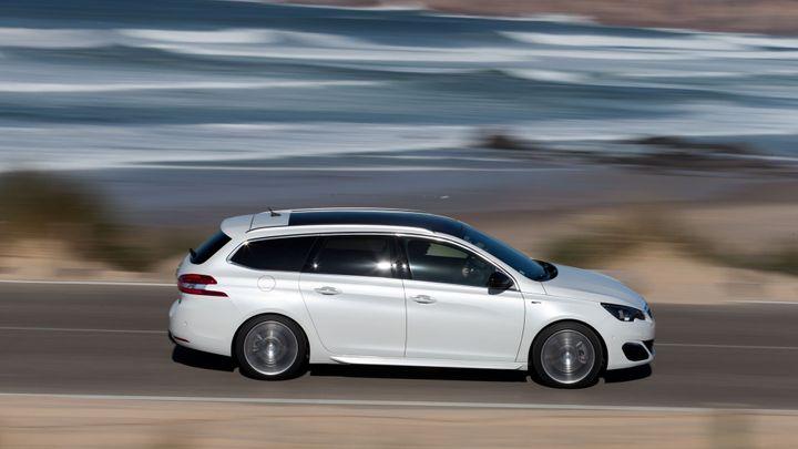 Rychlých rodinných aut přibývá. Na trhu je i Peugeot 308 GT