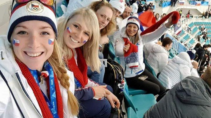 15. den olympiády živě: Fandění biatlonistek na finále nestačilo, nad Rusy visí dopingový prohřešek
