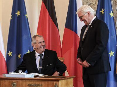 Z Německa: Zeman našel nové přátele, rozdával úsměvy i zákazy pro novináře