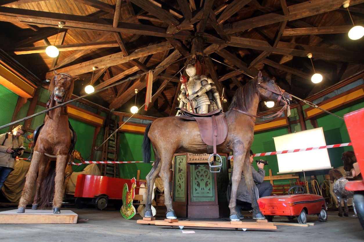 velká kořist na koni péro