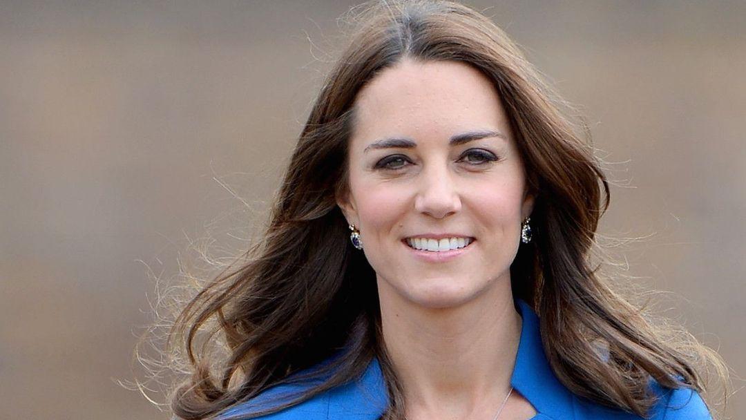 be9e7cc1778 Vévodkyně Catherine je samozřejmě velmi krásná žena. Jenom to by ale  nestačilo k tomu