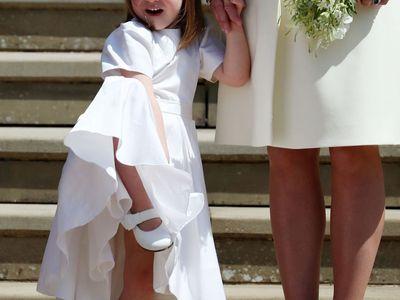 Připomeňte si královskou svatbu: Smích při slibu, roztomilá princezna Charlotte i stydlivý George