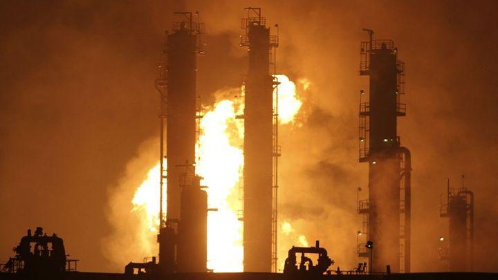Dramaticky levná ropa mění svět. Podívejte se jak