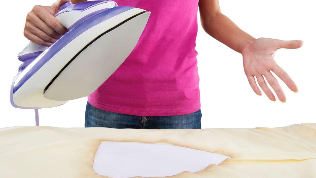 Jak levně a rychle vyčistit připálenou žehličku  Pomůže zubní pasta a další  zajímavé triky. Více se dozvíte v článku. 39098f9173