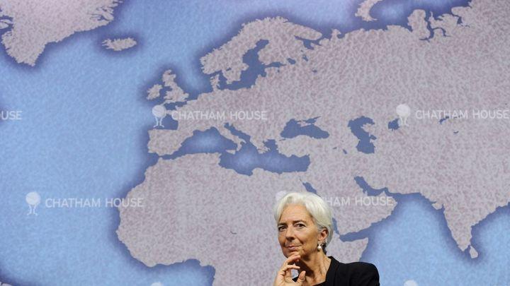 MMF: Růst ve vyspělých ekonomikách sílí, jinde se zpomalí
