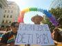 Vrazit heteromanželství do ústavy? Jako ubránit se suchu právem na déšť