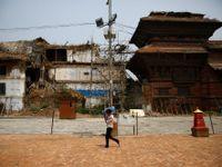 Turisté se do Nepálu vracejí, ale jen pomalu. Místo malebných památek je dál vítají chatrče z plechu