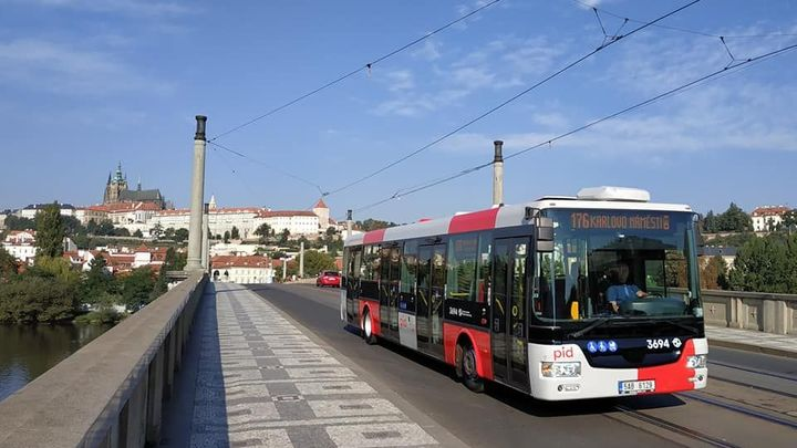 Praha představila nový design autobusů, prototyp projede ve čtvrtek linku 176