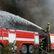 S požárem mrazíren v Mochově bojuje 40 jednotek hasičů, zatím marně. Škoda dosáhne 100 milionů