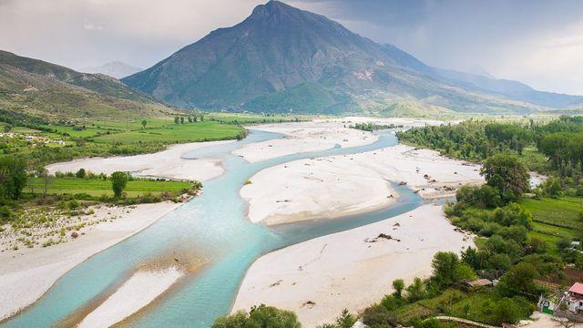 Albánie se dostává do popředí zájmu turistů. Nejkrásnější jsou tu hory 7359e04e73