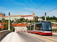 Mezi Újezdem a Malostranskou praskla kolejnice, tramvaje už opět jezdí po obvyklých trasách