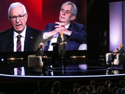 Živě: Debata na Primě? Zeman útočil, Drahoš neprohrál. Publikum připomínalo fanoušky na Baníku