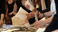 The Častolovice Commission invented the voters. They had two envelopes with leaves
