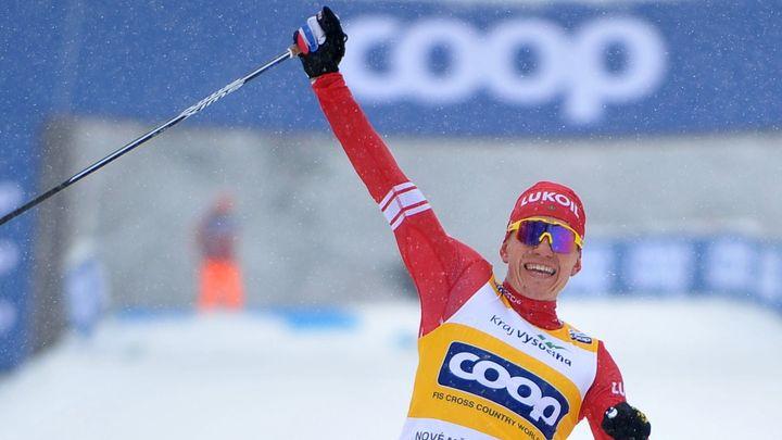 Bolšunov ovládl na Tour de Ski i stíhací závod a jasně vede