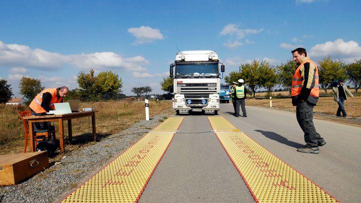 Konec ničení silnic. Nové chytré váhy už kamiony neobjedou