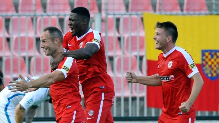 Olomouc ve fotbalové lize prohrála 0:1 s Brnem, Liberec si poradil s Mladou Boleslaví