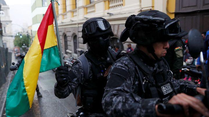 Prezident Bolívie rezignoval. Je to převrat, ale boj nekončí, řekl Morales