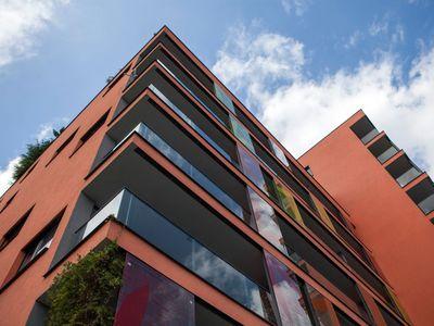 Ceny bytů v Česku dál prudce rostou, nejvíce zdražují paneláky. Projděte si novou mapu
