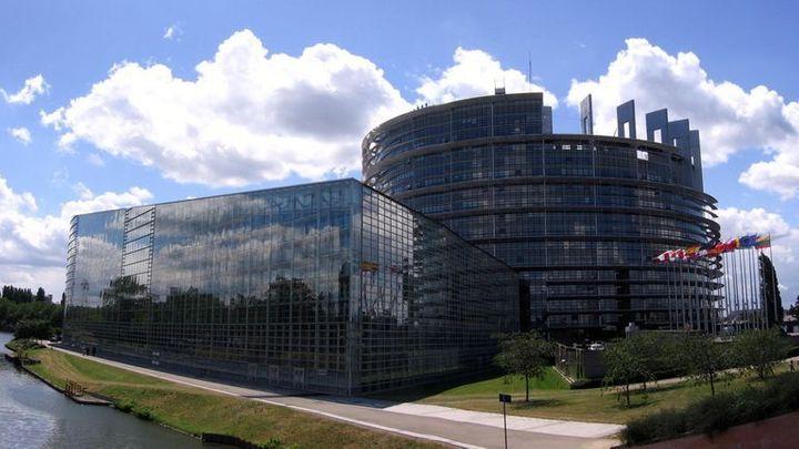 Bankovní unie je blíž. Europoslanci kývli na tři hlavní body