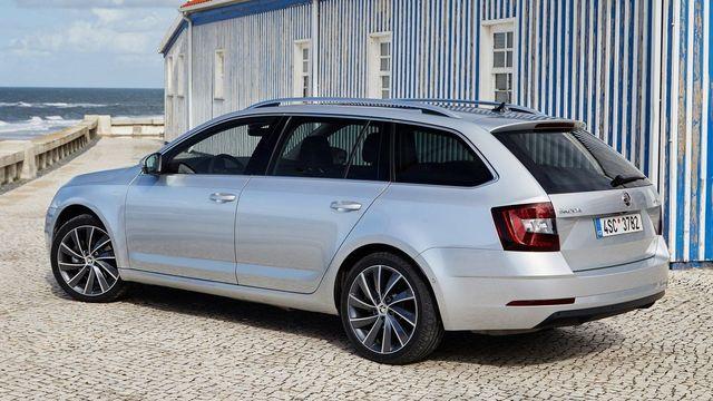 Zájem o nová auta v Česku nepatrně klesá. Lídrem trhu je Škoda ... b0c81fabd1