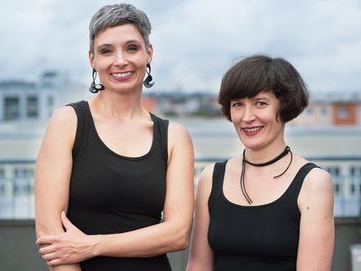 O rovnosti mužů a žen pro Aktuálně.cz hovořily Kateřina Lišková a Lucie Jarkovská, které založily stand-upový projekt pod názvem Duo docentky.