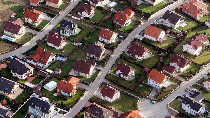 Ceny bydlení ve světě rostou příliš rychle, varuje MMF