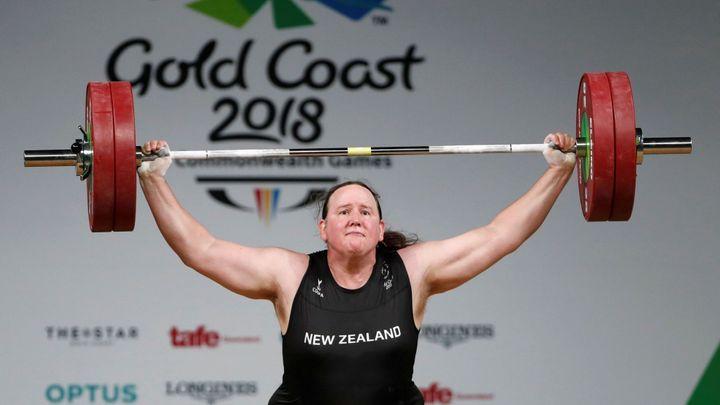 Náplast za olympijský nezdar. Transgender vzpěračka je sportovkyní roku; Zdroj foto: Reuters